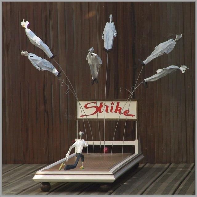JEAN-YVES VERNE - STRIKE - Installation - sculpture