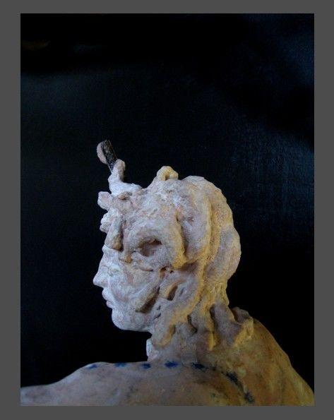 JEAN-YVES VERNE - concrete  mama    - sculpture en ciment (détail)